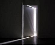 La porte est ouverte